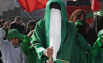 آیا امام حسین (ع) در روز عاشورا به حضرت زینب (س) سفارش کرد که در صورت حمله دشمن، زیورآلات خود را زمین بریزد؟