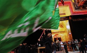 چه کسانی پرچم امام حسین (ع) را بالا نگه داشتند؟