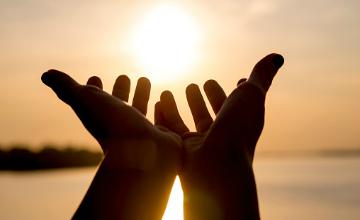 جایگاه محوری «خدا ترسی» در نیایش عارفانه امام حسین (ع) در دعای عرفه
