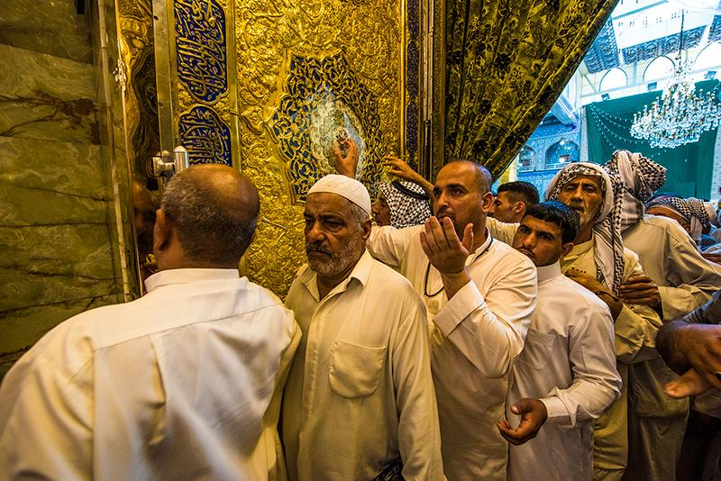عرفه در جوار حرمین مطهر کربلا         / گالری تصاویر