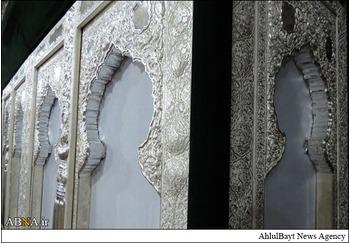 مرحله نخست نصب قطعات ضریح خیمهگاه حضرت عباس علیهالسلام/ عکس