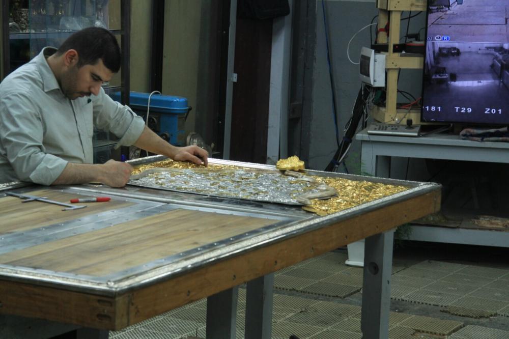 گالری عکسی از کارگاه ساخت ضریح در کربلا