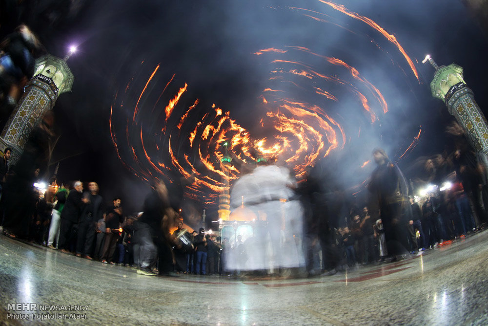 آئین مشعل گردانی در قم  / گالری تصاویر