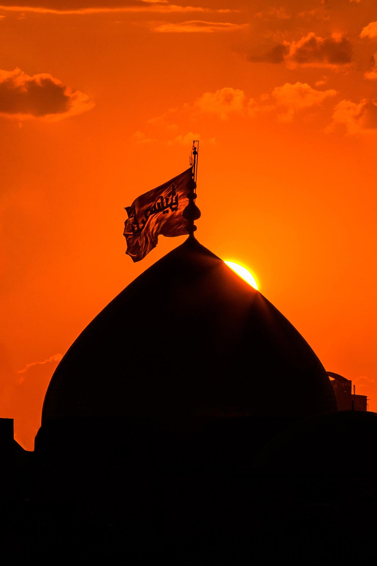 تصاویر زیبا از غروب آسمان حرم امام حسین (ع)