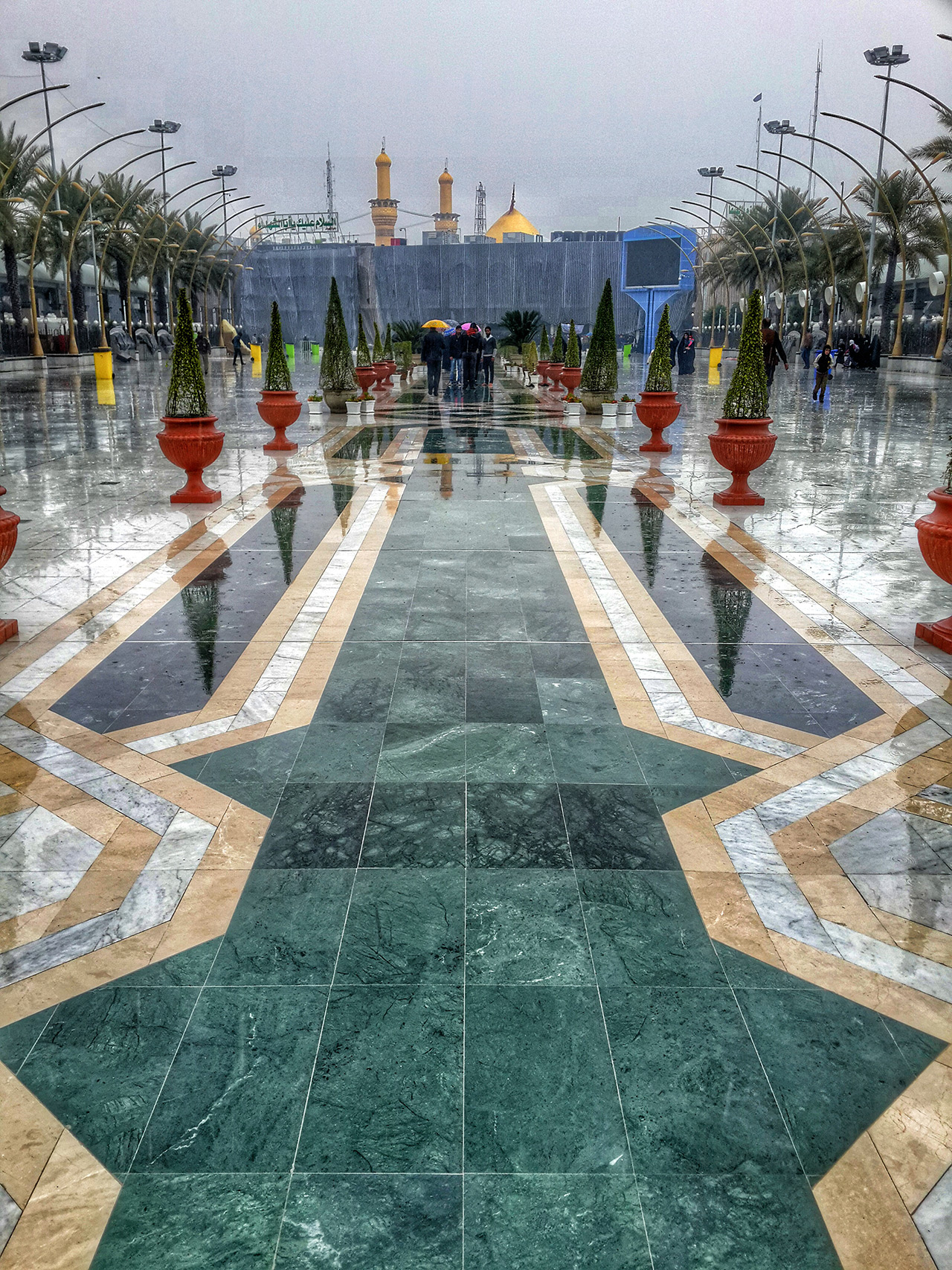 تصاویر زیبا از حرم امام حسین (ع) در روزهای بارانی/ من ... قدمزنان ... در حرم بارانیت ...