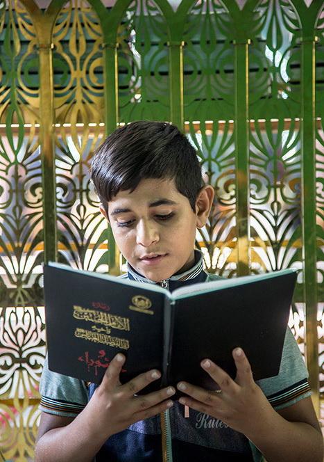 تصاویر جالب از حضور کودکان در حرم سیدالشهداء(ع)