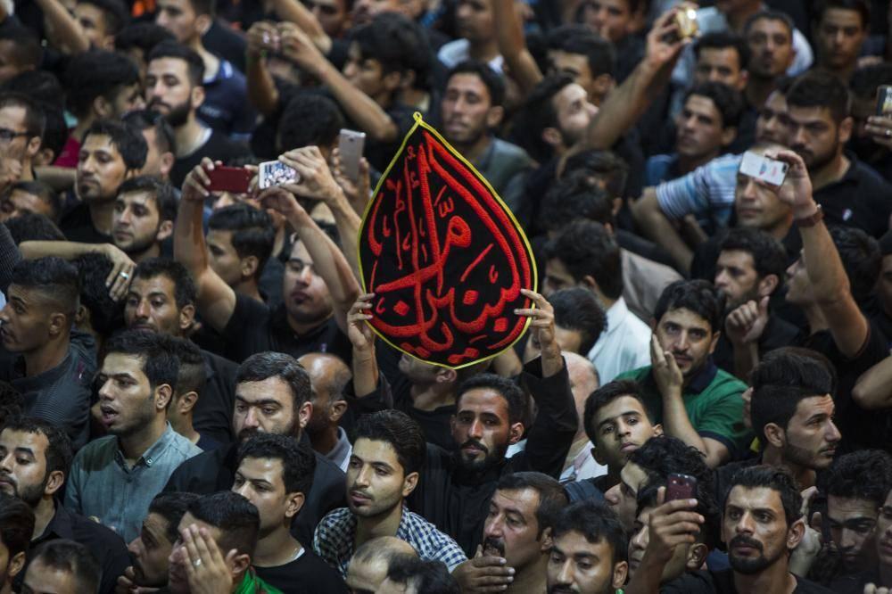 گزارش تصویری از برگزاری مراسم اذن عزا و تعویض پرچم حرمهای امام حسین (ع) و حضرت ابوالفضل (ع)
