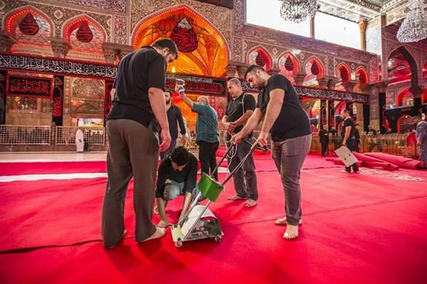 آماده شدن حرم حسینی برای تاسوعا و عاشورا