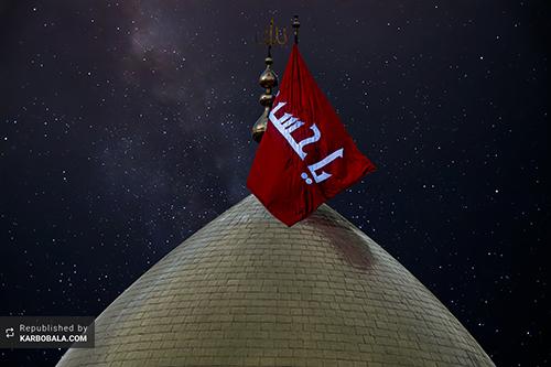اهتزاز پرچم سرخ بر فراز بارگاه امام حسین (ع) و حضرت عباس (ع) / گزارش تصویری