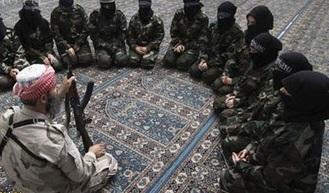 دستگیری دختران سوری به دست داعش به جرم خندیدن!