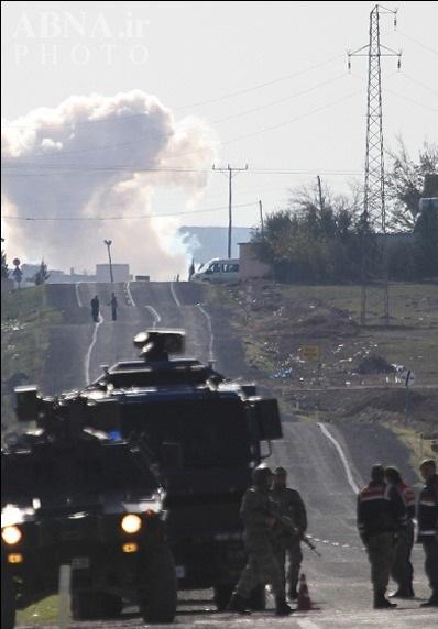 درگیری داعش با مدافعان کوبانی به گذرگاه مرزی ترکیه رسید