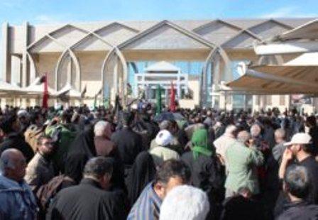 زوار ایرانی در عراق قدرت شیعیان را به رخ داعش می کشند