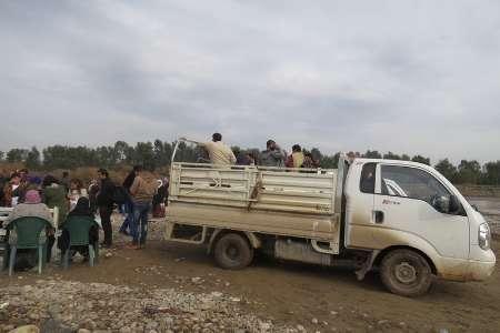 آوارگان کوبانی در انتظار ورود به اقلیم کردستان عراق