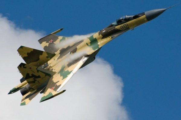 حملات هوایی به مواضع داعش درالرقه