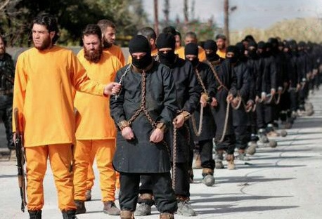 اعدام عناصر داعش توسط نارنجیپوشان! + عکس