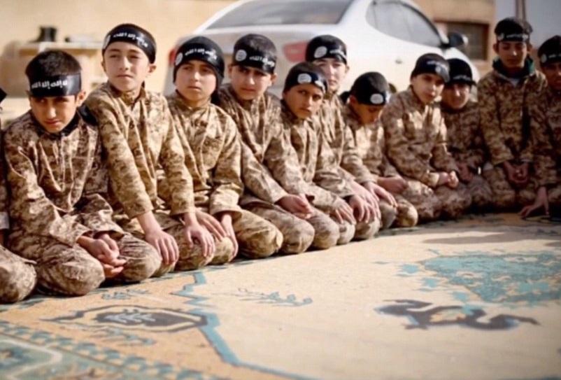 کشته شدن بیش از 50 کودک اجیر شده به دست داعش