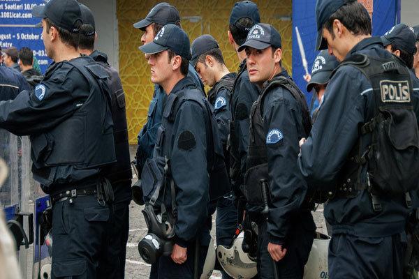 کشف 30 جلیقه انفجاری توسط پلیس ترکیه