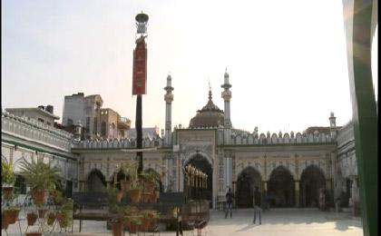 بزرگترین حسینیه هند با معماری ایرانی