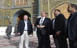 سفیر انگلیس در عراق به زیارت امیرالمومنین علیه السلام رفت