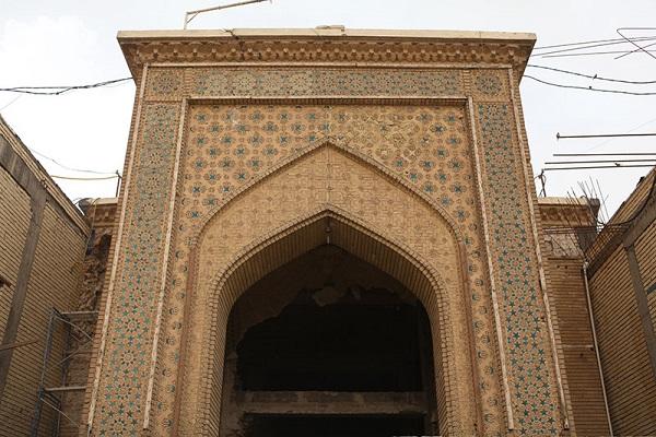 ادامه عملیات اجرائی توسعه دربهای ورودی صحن مطهر حرم حضرت عباس (علیه السلام)