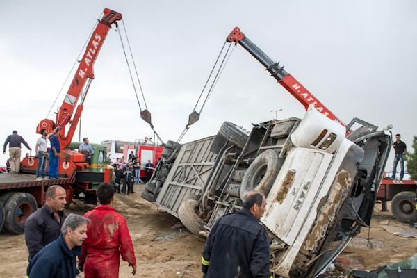واژگونی اتوبوس با 32 کشته و زخمی در مسیر کربلا
