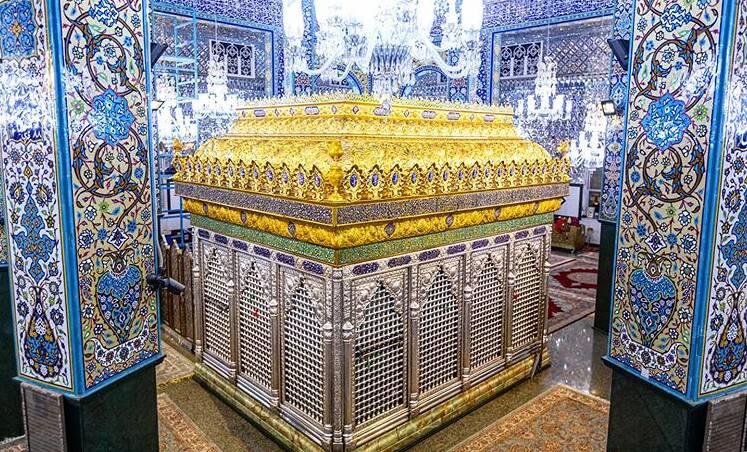 سقف ضریح حرم حضرت زینب (س) نصب شد