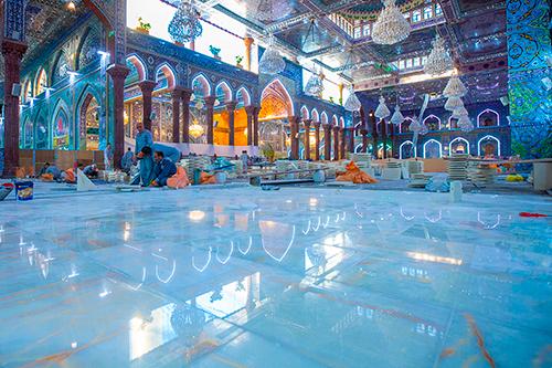 مراحل آماده سازی صحن مطهر سیدالشهدا (ع) برای حضور زائران + گزارش تصویری