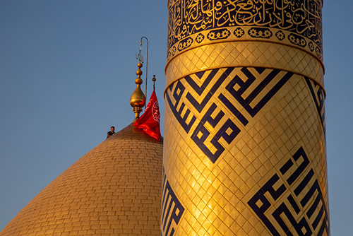 مراسم شستشوی گنبد منور حضرت قمر بنی هاشم (ع) / گزارش تصویری