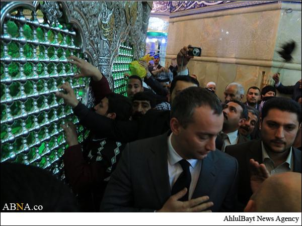 حضور فرستاده سازمان ملل در حرم امام حسین علیهالسلام