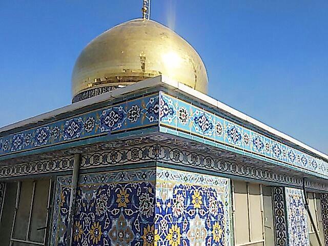 ترمیم کاشیهای آسیب دیده حرم حضرت زینب (س) بهدست استادکاران ایرانی