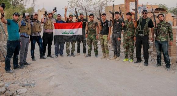 عکاسان جبهههای جنگ با داعش + عکس