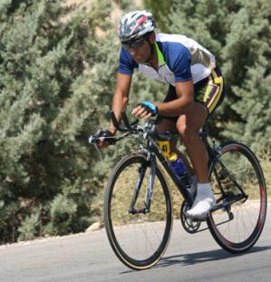 حرکت تیم دوچرخه سواری سیرجان به سوی کربلا