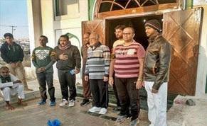 شیعیان هندی با پای پیاده به زیارت حرم امام حسین (ع) میروند