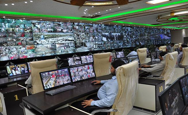 کنترل امنیت حرم مطهر امام حسین(ع) و حضرت عباس (ع) با 1200 دوربین مداربسته