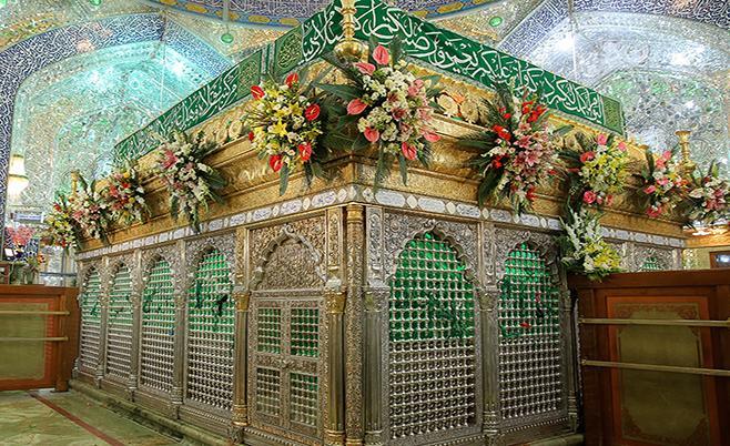 گل آرایی عتبات عالیات عراق با 10 هزار شاخه گل اهدایی مردم شیراز