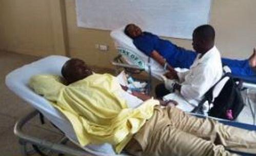 دانشجویان دانشگاه اسلامی غنا به یاد امام حسین (ع) خون اهدا کردند
