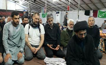 مسئول کمیته فرهنگی انجمن اربعین اروپا: 950 مسلمان اروپایی در مراسم اربعین حسینی حضور یافتند + تصاویر