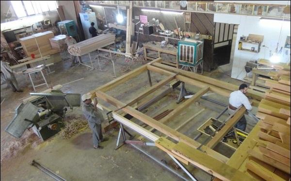 رونمایی از ستون های چوبی ضریح جدید عباسی