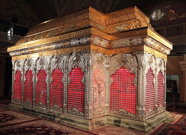 هلاکت ویران کننده قبر امام حسین علیه السلام