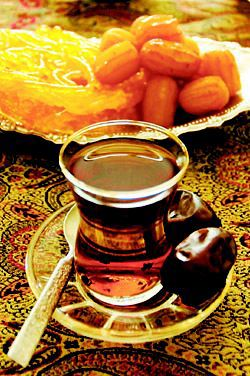 امسال با چای و خرمای شما افطار میکنم