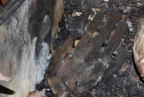تصاویر آتش زدن یک حسینیه در پاکستان