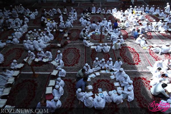 جوانان سفیدپوش قرآنی در حرم حضرت عباس علیهالسلام/ تصاویر