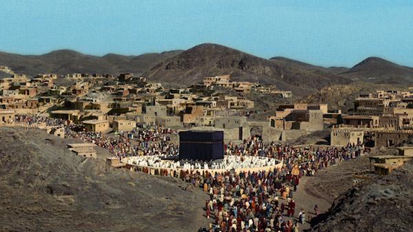 پرونده: داستان حمله مخفیانه برخی حجاج به امام حسین (ع) در فیلم رستاخیز چه بود؟