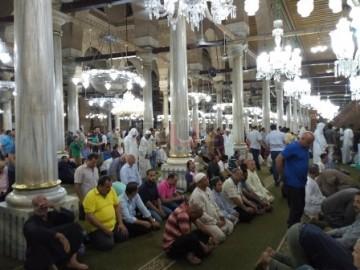 اقامه نماز آیات در مسجد «امام حسین (ع)» قاهره