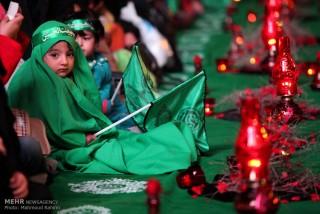 بر سر سفره سه ساله حسین (ع)/ گزارش تصویری