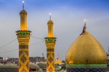 چه عباراتی روی مناره مرقد حضرت عباس (ع) نقش بسته است؟ / تصویر