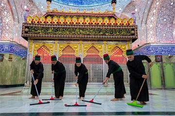 غبارروبی و شستشوی حرم حضرت اباالفضل (ع) / گزارش تصویری