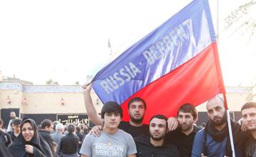 تصاویری از حضور ملیت های مختلف در پیاده روی اربعین