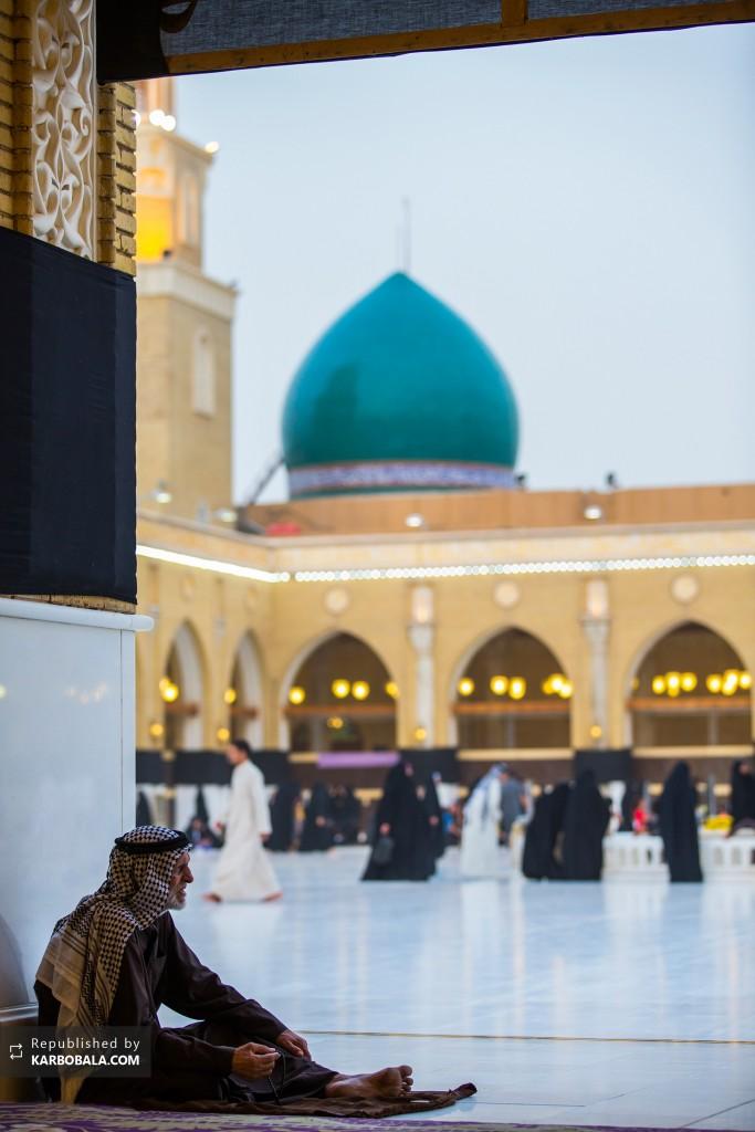 نمایی زیبا از صحن مسجد کوفه
