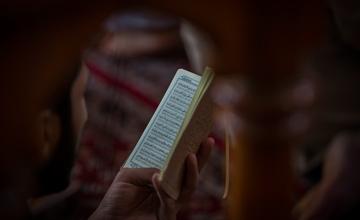 همه ی دست های خون آلود؛ بررسی گروه های دخیل در کربلا با کمک زیارت عاشورا